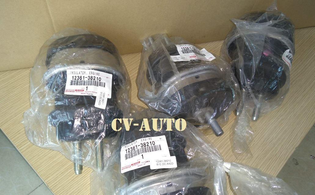 Picture of 12361-38210 Cao su chân máy trước Lexus LS460, LS600H chính hãng