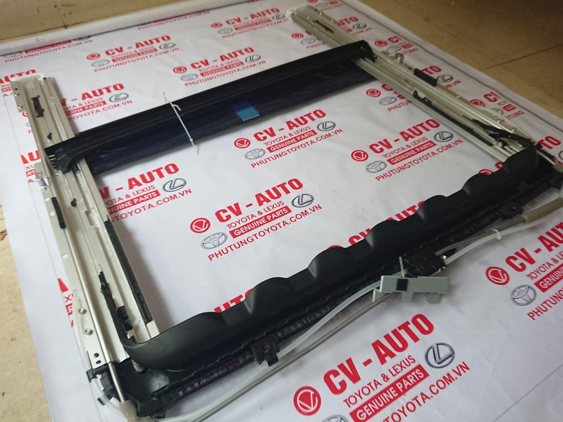 Picture of 63203-60031 Giá trượt kính nóc Lexus GX470 hàng  chính hãng