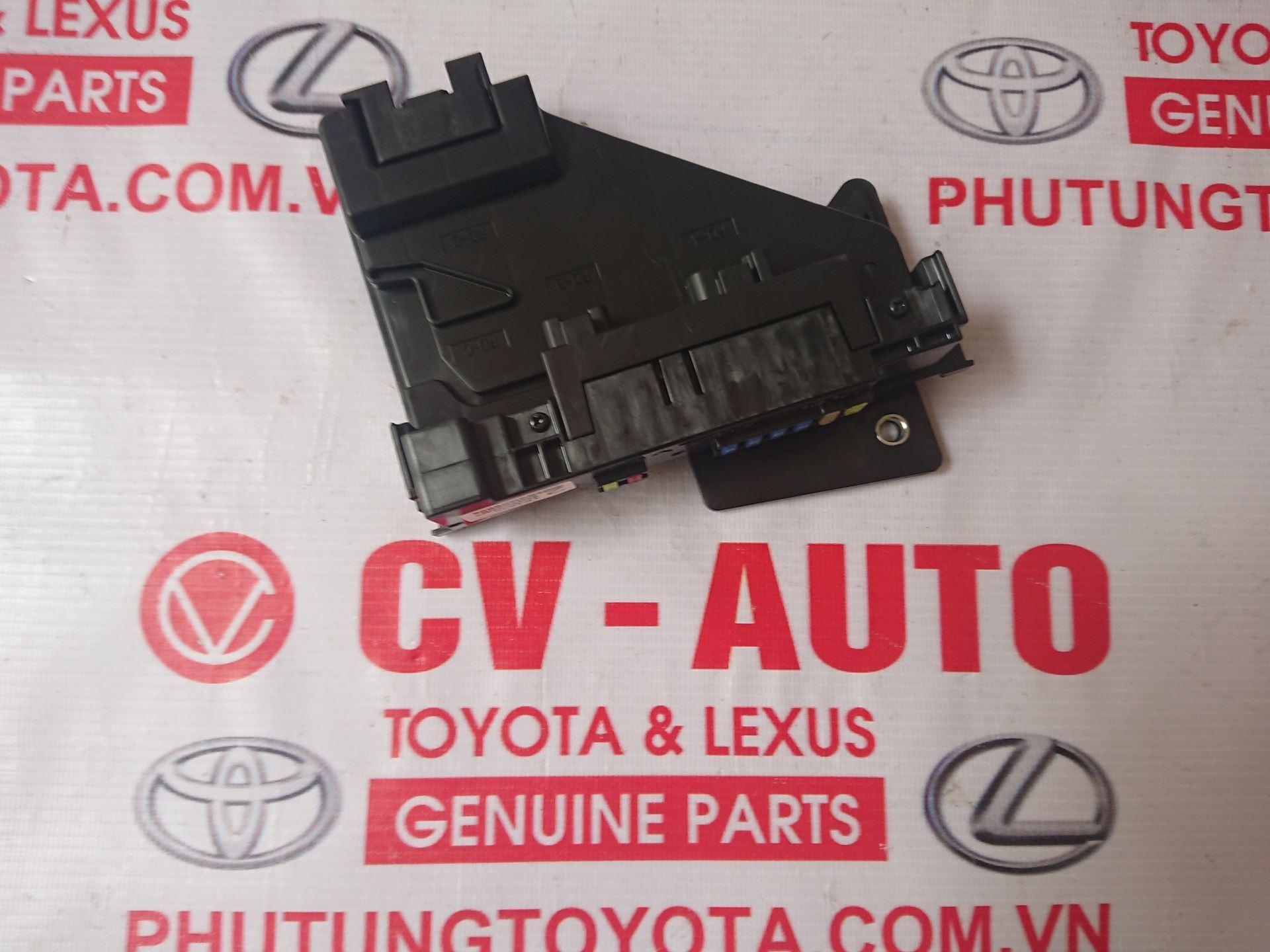 Picture of 82720-0T020 Hộp cầu chì Toyota Venza hàng chính hãng