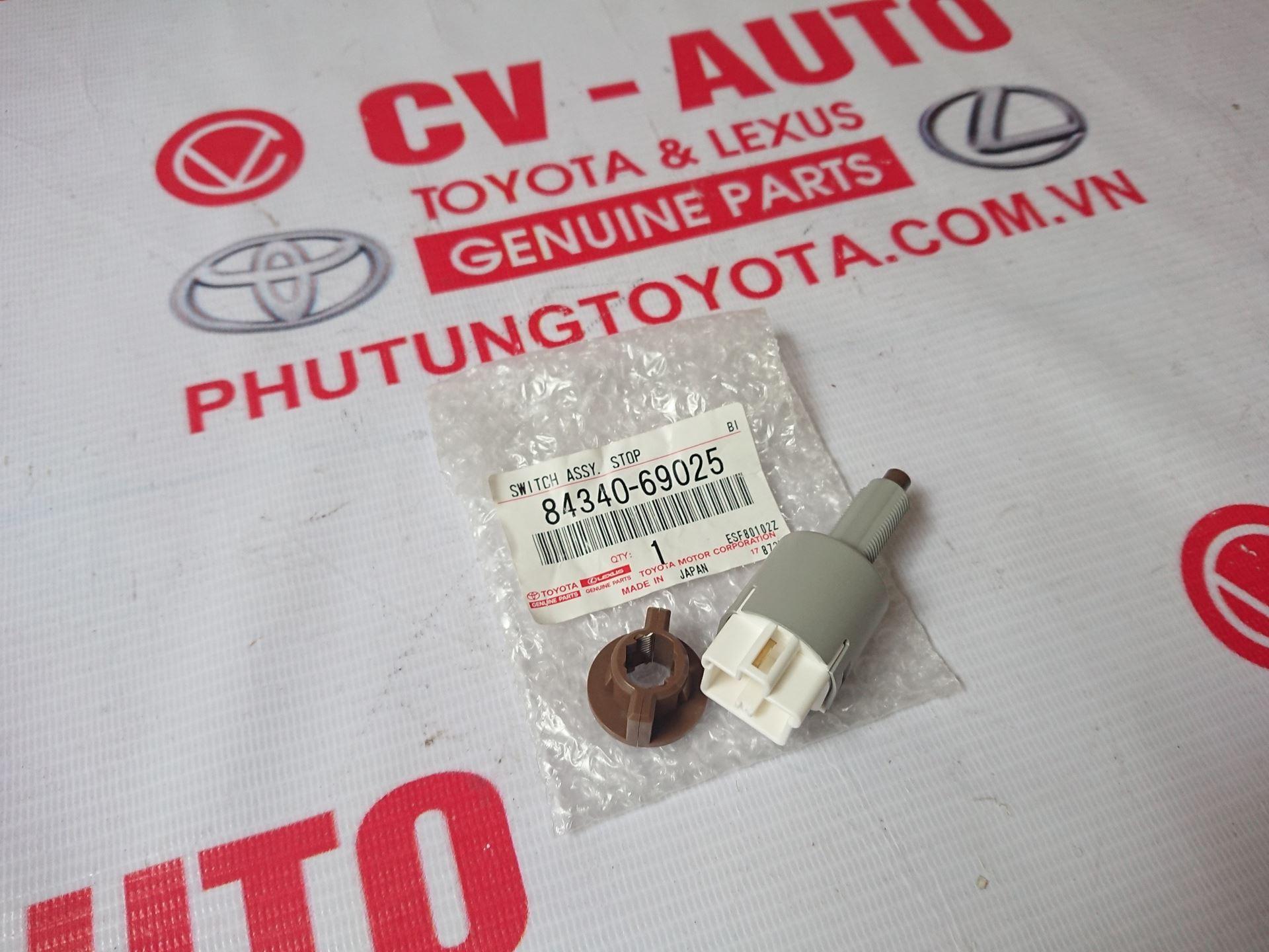 Picture of 84340-69025 Công tắc đèn phanh Toyota Camry ACV40 chính hãng