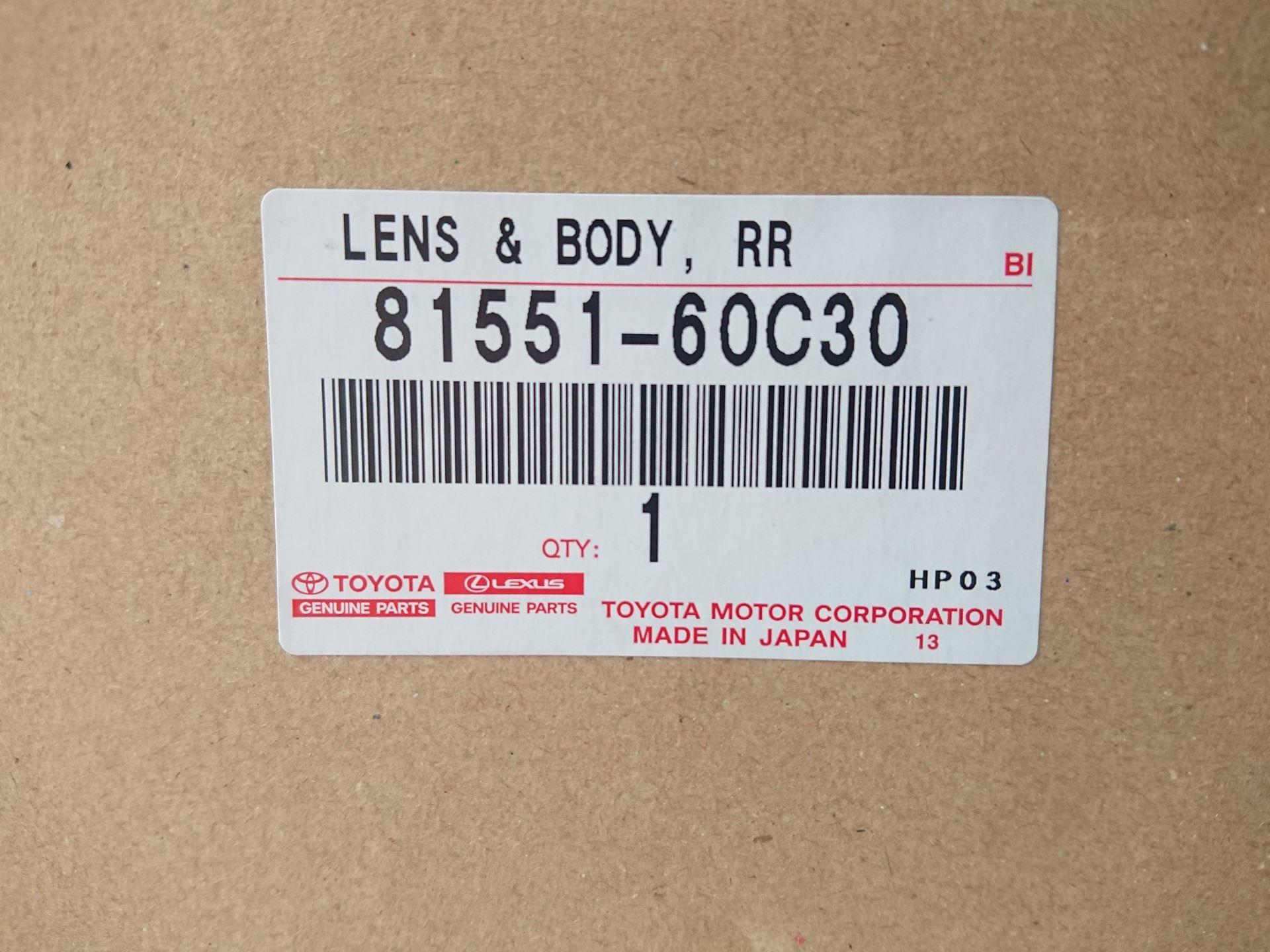 Picture of 81551-60C30 Đèn hậu phải Toyota Land Cruiser Prado 2019