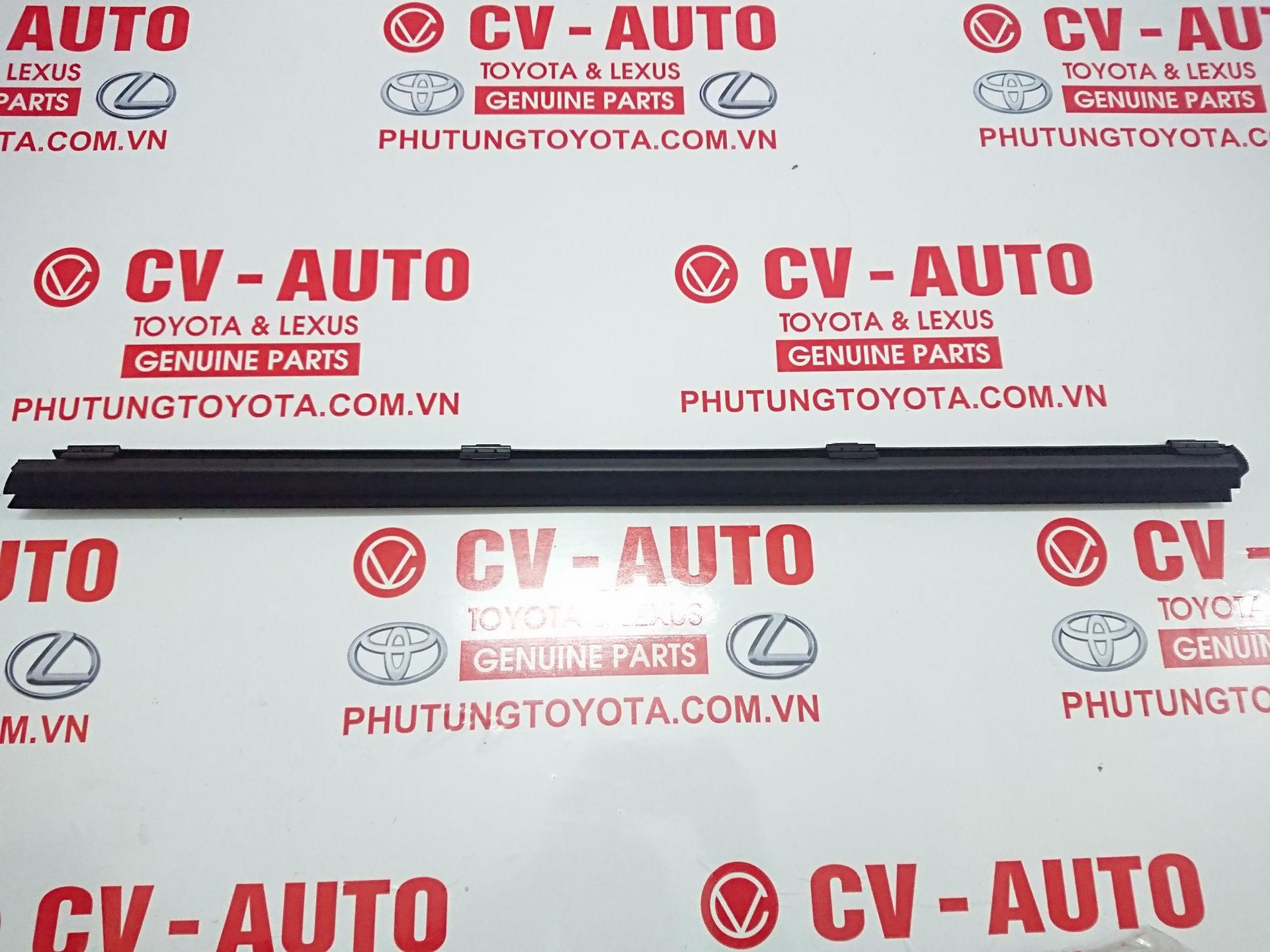 Picture of 68173-48050 Nẹp chân kính trong Lexus RX350 RX450 hàng chính hãng