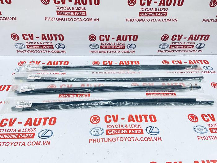 Picture of 75740-42021 75730-42021 75720-42031 75710-42031 Nẹp chân kính ngoài Toyota RAV4 05-12 chính hãng