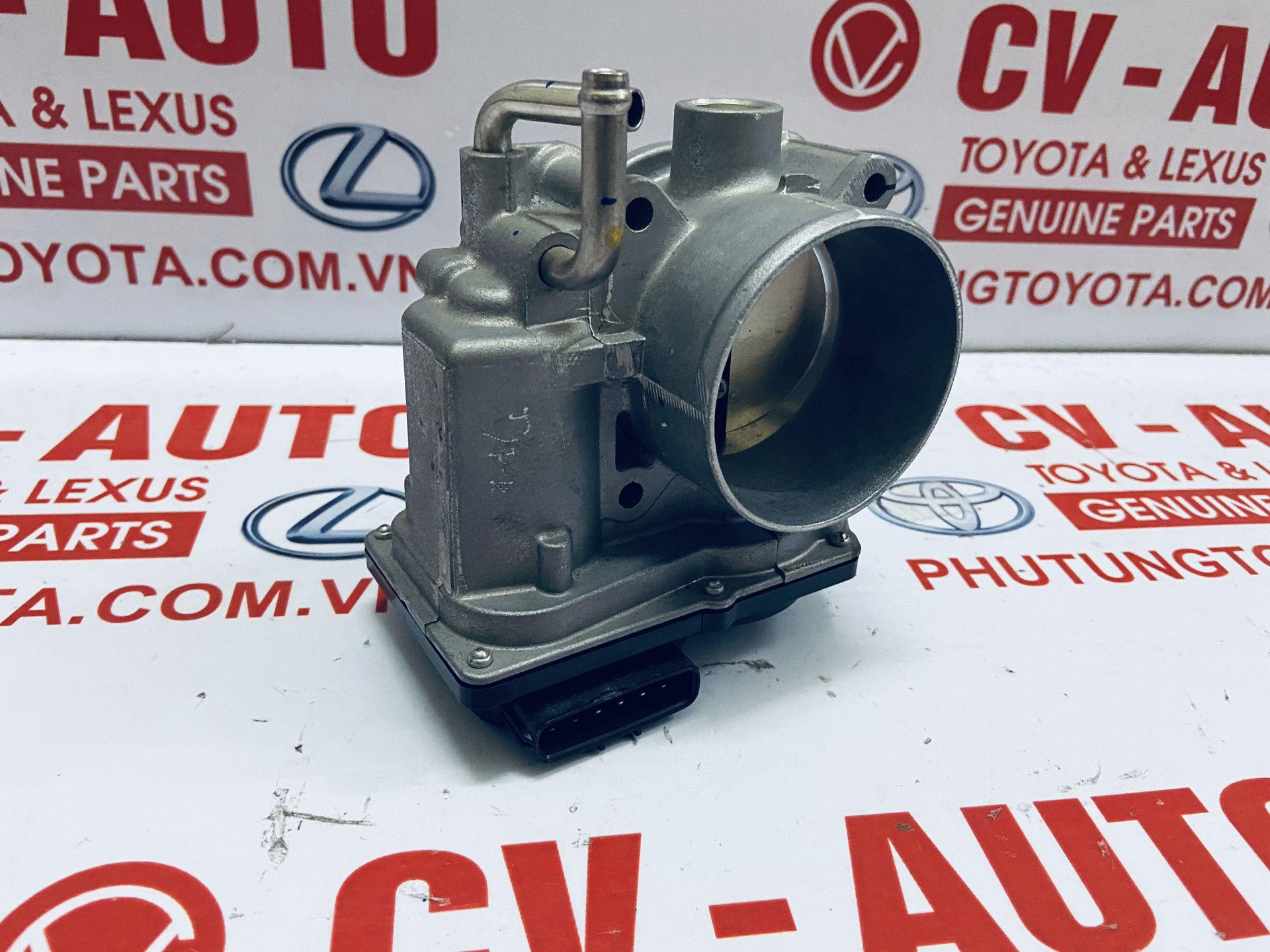 Picture of 22030-0C020 Cổ ga, bướm ga Toyota Fortuner Hilux Hiace hàng chính hãng