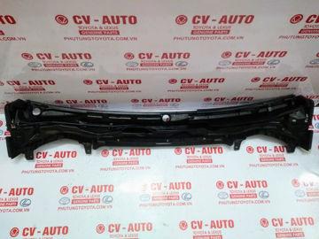 Hình ảnh của55708-60131 Máng nước chân kính chắn gió Lexus LX570 hàng chính hãng
