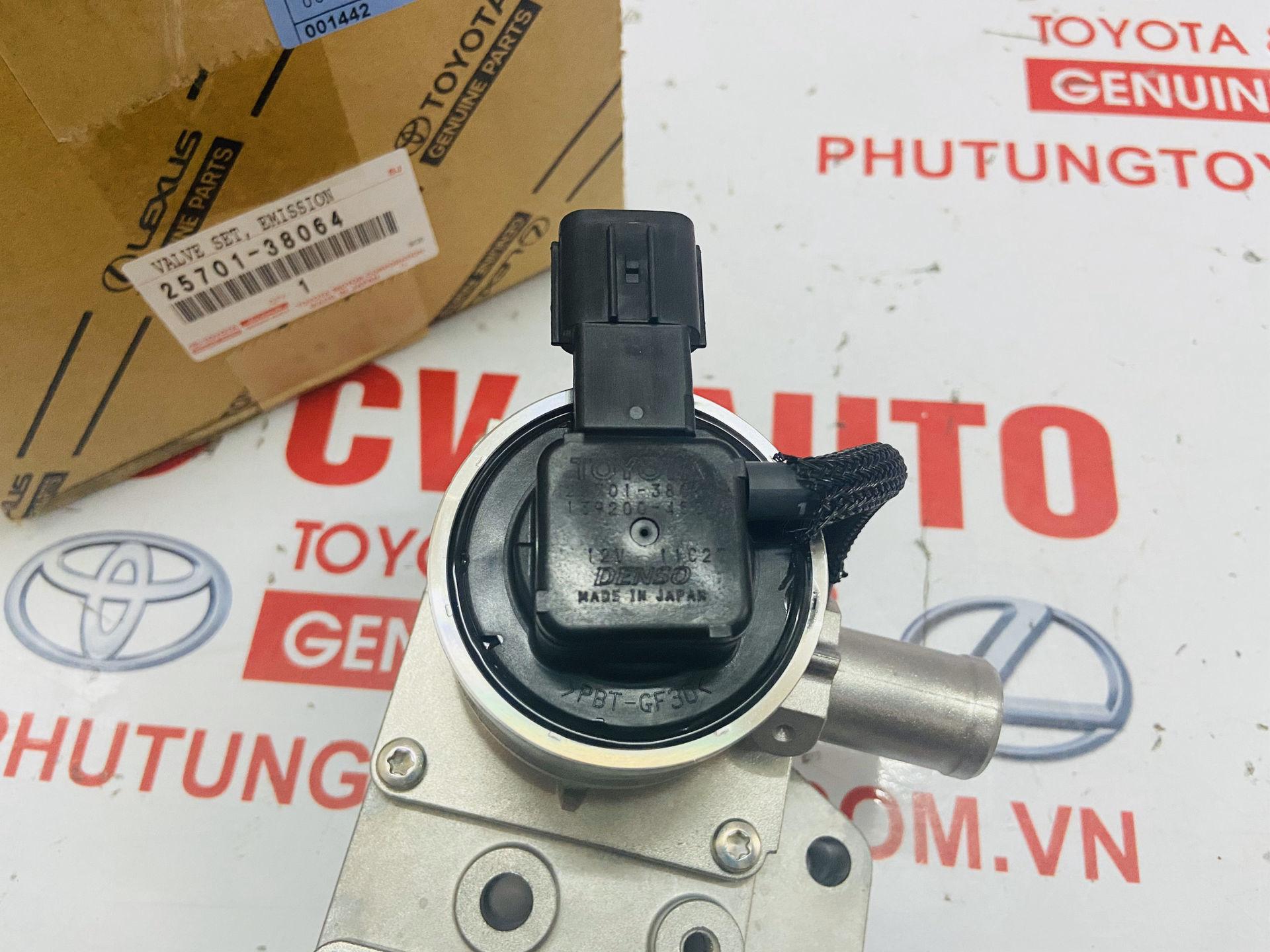 Picture of 25701-38064 Van khí nạp Lexus LX570 hàng chính hãng