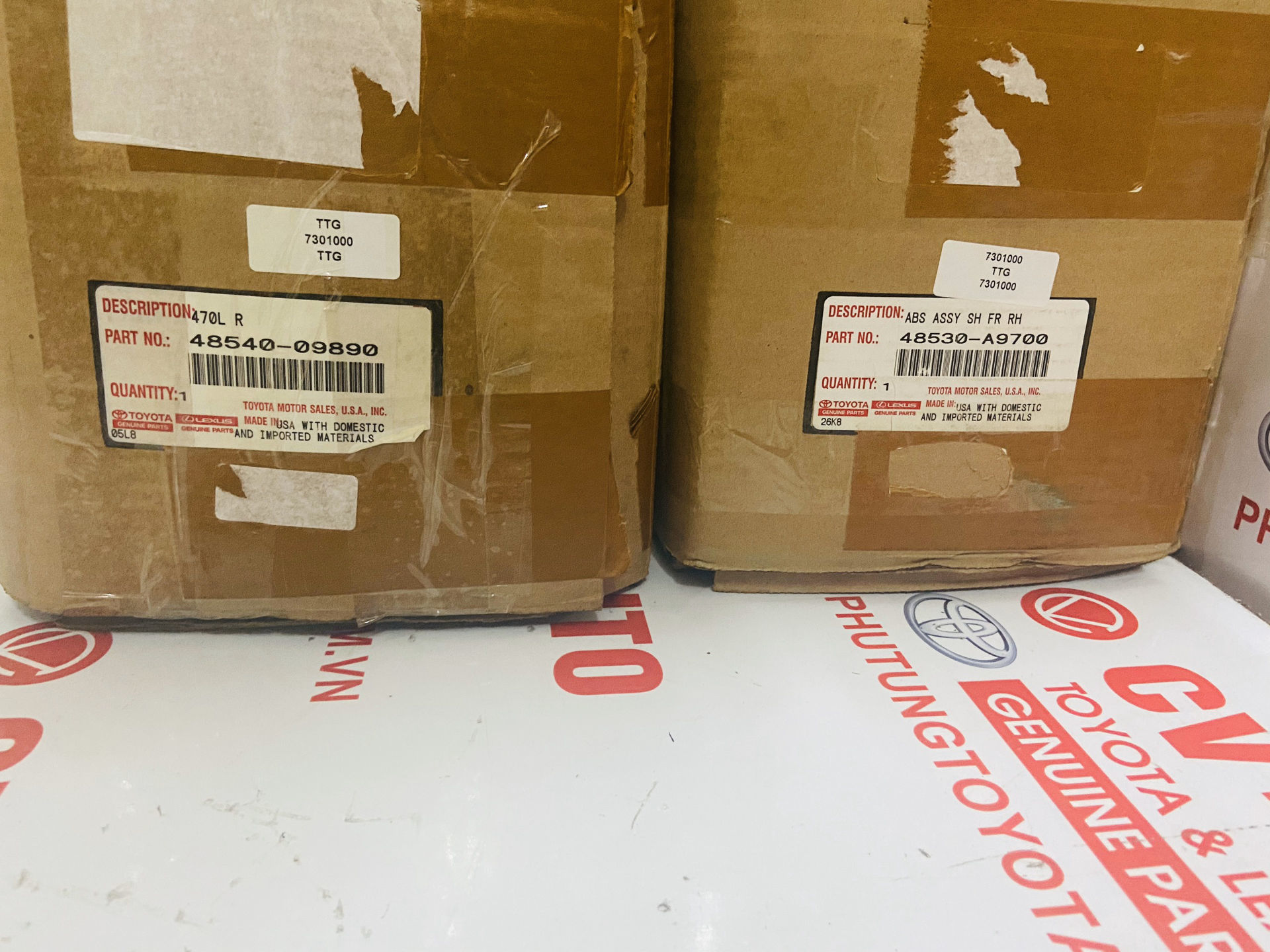 Picture of 48540-09890 48530-A9700 Giảm xóc sau Toyota Venza chính hãng