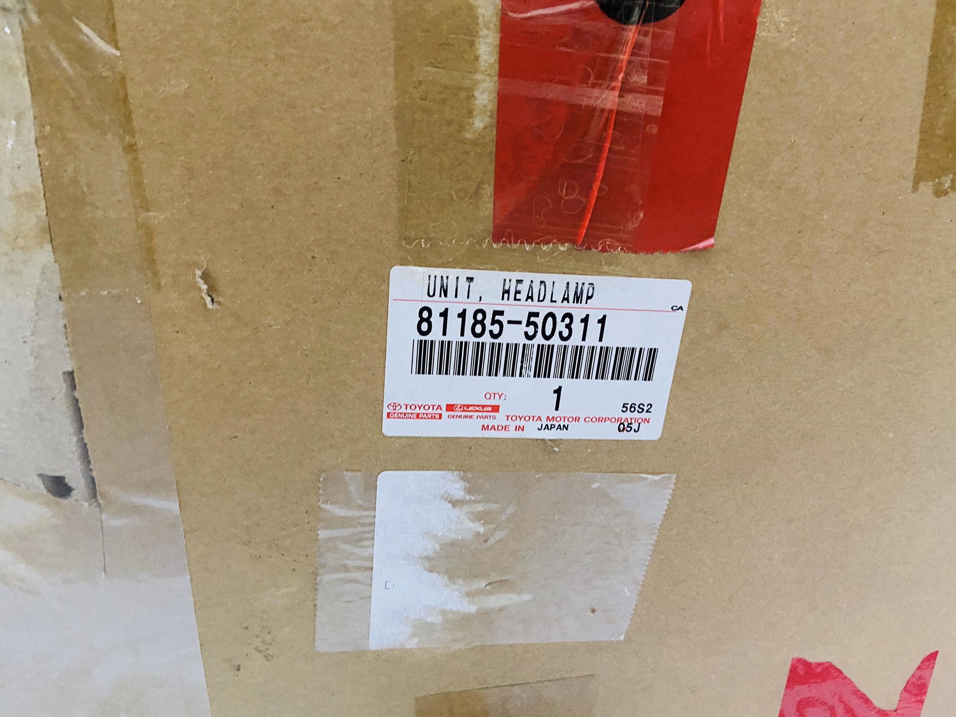 Picture of 81185-50311 81145-50311 Đèn pha Lexus LS460 chính hãng