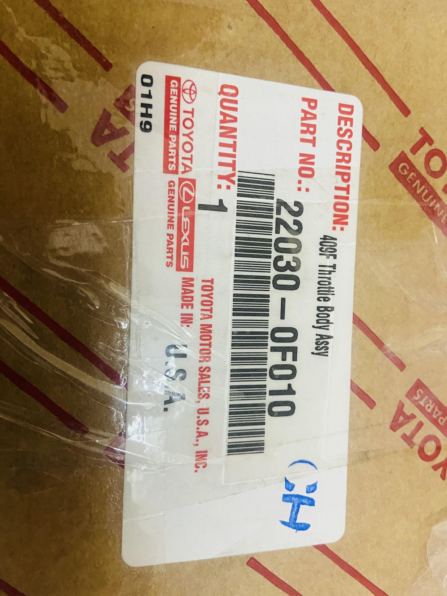 Picture of 22030-0F010, 220300F010 Cổ ga, Bướm ga Lexus GX470 LX470 2UZ chính hãng